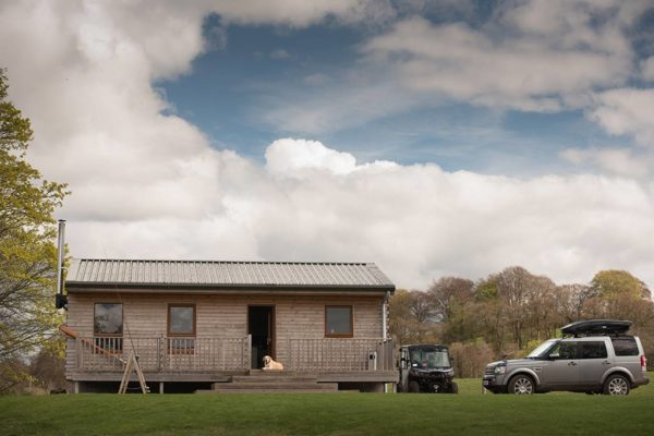 Fishing hut, River Tay, Lower scone, Fishponds, Land Rover HSE